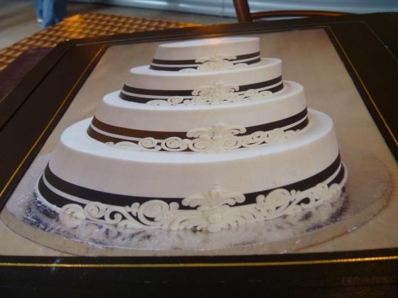 Haunted Mansion Wedding Cake 1